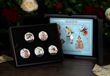 LS-2021-IOM-Alice-in-wonderland-silver-proof-with-colour-print-Set-lifestyle-box.jpg