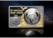 Celebrate the 50th anniversary of the first Moon Landing with the WORLD'S FIRST domed coin presented in a Silver Bar. Just 50 available.