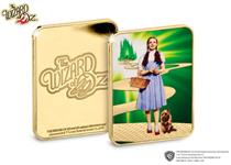 The Wizard of Oz Collector Ingot features a full colour image of Dorothy and Toto. The ingot also features the Wizard of Oz logo on the obverse, and has been plated in 24-carat gold.