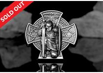 This 3oz Silver Coin depicts Manannan, the first King of the Isle of Man, on an ornamented celtic cross showing Manannan kneeling in knight's armour clutching a shield and his sword.
