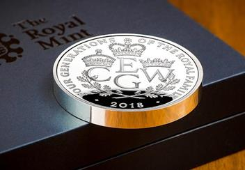 UK 2018 Four Generations Of Royalty Silver Proof Piedfort Five Pound Coin Reverse Lifestyle