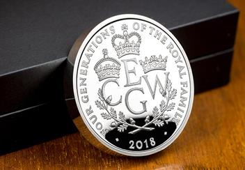 UK 2018 Four Generations Of Royalty Silver Proof Piedfort Five Pound Coin Reverse Lifestyle2