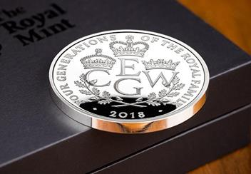 UK 2018 Four Generations Of Royalty Silver Proof Five Pound Coin Reverse Lifestyle2