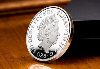 UK 2018 Four Generations Of Royalty Silver Proof Five Pound Coin Obverse Lifestyle