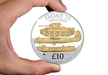 D Day 75Th Guernsey Silver Proof 5Oz Coin In Hand