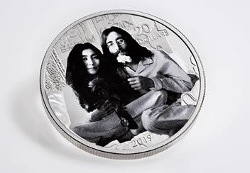 John-Lennon-Give-Peace-a-Chance-1oz-Coin-Flat-2-1.png