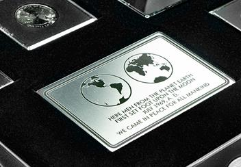 World Space Collection of 8 coins plaque_.png