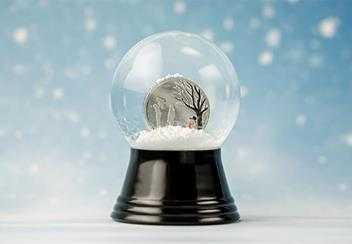 LS-(supplier-resize)-Cook-Islands-1-dollar-silver-prooflike-in-snow-globe-coin-Lifestyle.jpg