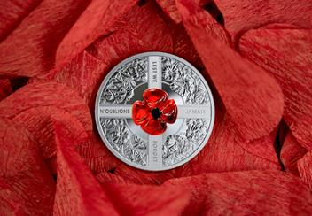 LS-Canada-2019-Murano-Glass-Poppy-Lest-We-Forget-Silver-20-dollar-Coin.jpg
