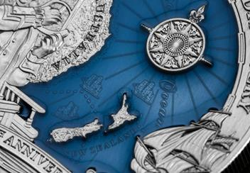 LS-2020-Solomon-Islands-10-Dollar-3-oz-Silver-antique-finish-with-blue-Lifestyle-Detail.jpg