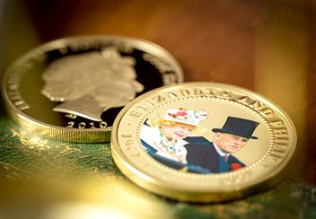 ST-Diamond-Wedding-Gold-Plated-Photographic-Coin-Collection-Lifestyle2.jpg