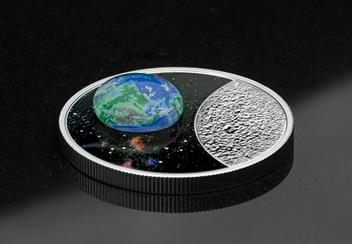 LS-Canada-2020-Mother-Earth-Silver-Coin-with-3d-glass-earth-silver-proof-20-dollars-lifestyle.jpg