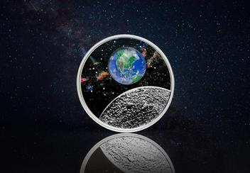 LS-Canada-2020-Mother-Earth-Silver-Coin-with-3d-glass-earth-silver-proof-20-dollars-lifestyle-2.jpg