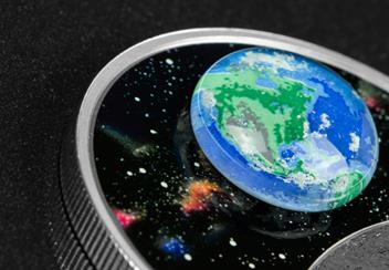 LS-Canada-2020-Mother-Earth-Silver-Coin-with-3d-glass-earth-silver-proof-20-dollars-lifestyle-Detail.jpg