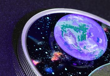 LS-Canada-2020-Mother-Earth-Silver-Coin-with-3d-glass-earth-silver-proof-20-dollars-lifestyle-Detail-blacklight.jpg