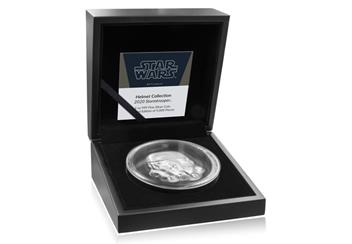 AT-Star-Wars-Stormtrooper-Helmet-Coin-Inner-Box.jpg