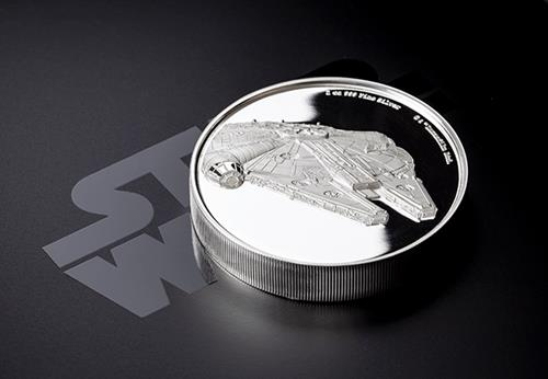 Star-Wars-2019-Millenium-Falcon-Ultra-High-Relief-Silver-Proof-Coin-Reverse-Lifestyle2.png