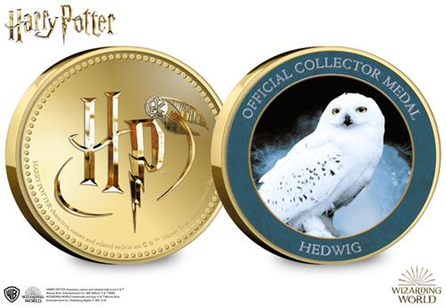 AT-Harry-Potter-Collector-Medal-Product-Images-Hedwig-Obverse-Reverse.png